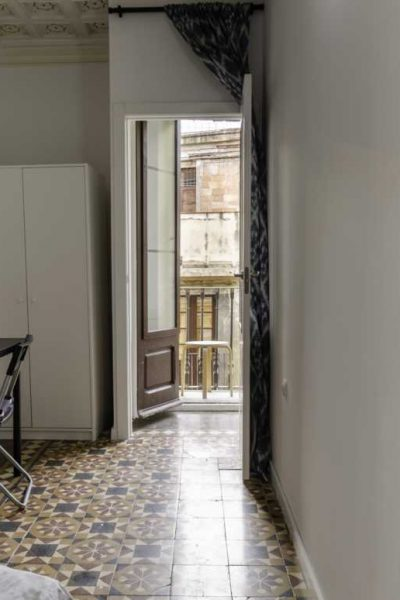 Rent a room in barcelona for long term